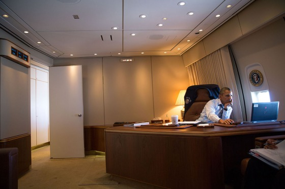 Obama at computer. Official White House Photo by Pete Souza